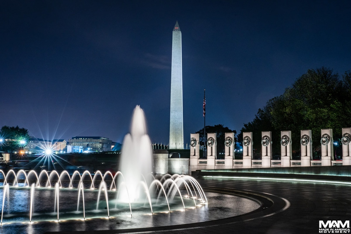 memorial-day-traditions-WWII-Memorial